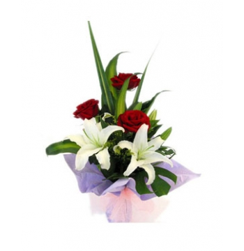 2 White lilies with 3 Red Roses Send to Manila Philippines