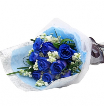 12 Blue Roses Bouquet