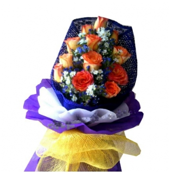 12 Peach Roses Bouquet with Seasonal Flower