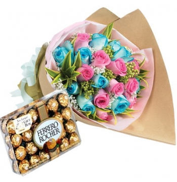 24 Blue and Pink Roses Bouquet with Ferrero Chocolate