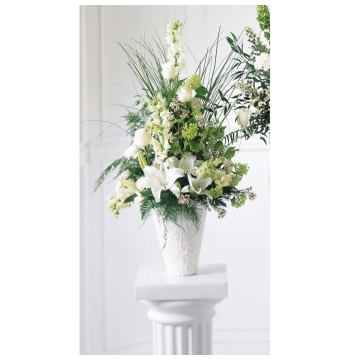 Traditional Sympathy White Delivery to Manila Philippines