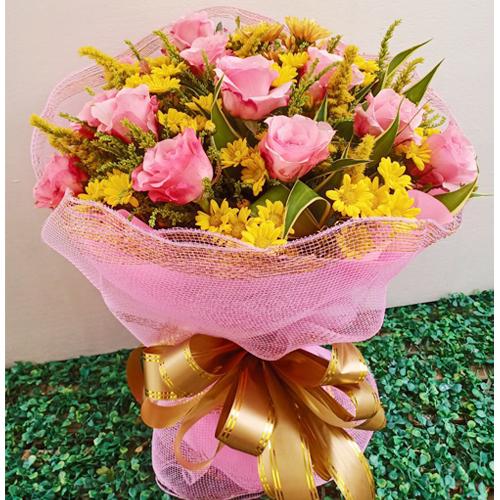 1 Dozen Passionate Pink Roses Bouquet