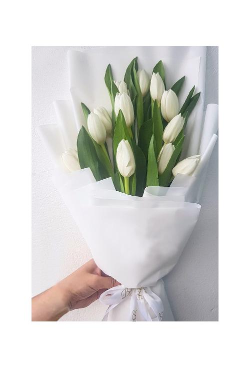 12 Pcs WhiteTulips a Bouquet